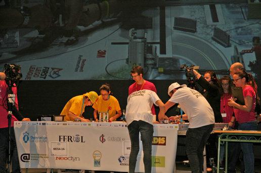 A cuarta First LEGO League Galicia xunta este sábado en Ferrol 26 equipos de novos argalleiros