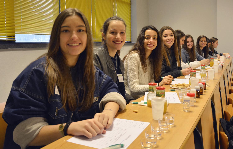 O Campus de Ourense animou ás nenas da provincia a convertérense en profesionais TIC e científicas